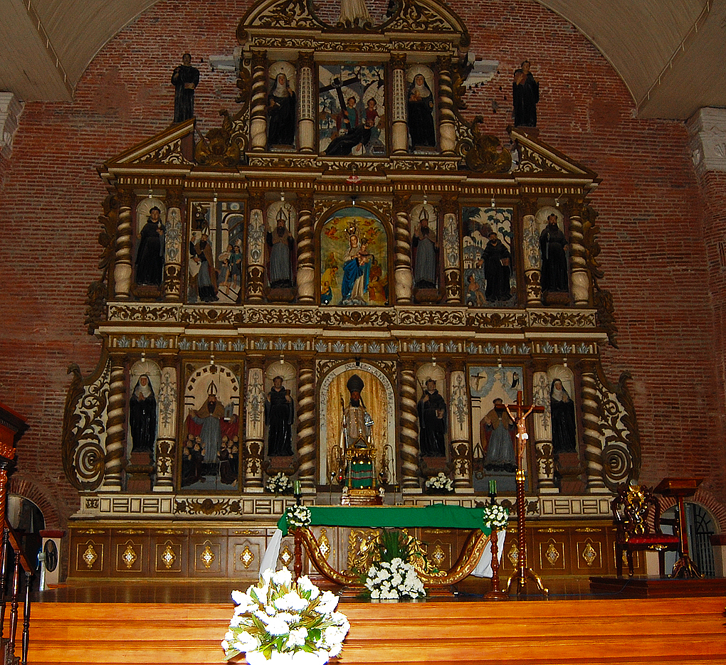 Lubao alter The alter and Retablo of the Lubao Church