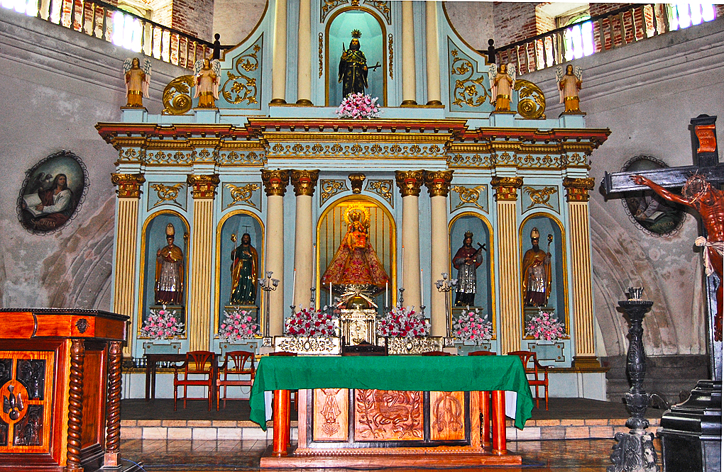 Alter and Retablos This area is well known for the quality of the alters and the Retablos. A Retablos is the structure behind the alter.