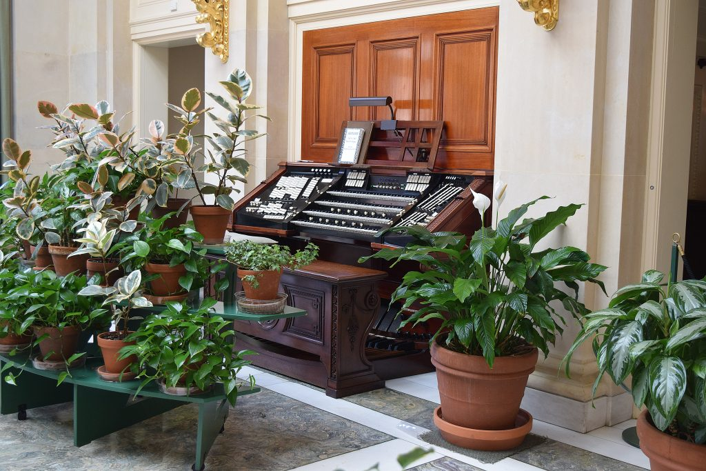 The Keyboard of the main pipe organ. It is one of the largest pipe organs in the world and the largest ever to be in a private home.