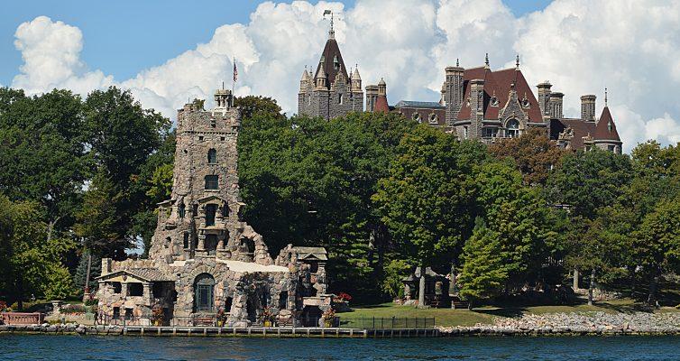 Heart Island and Bolt's Castle
