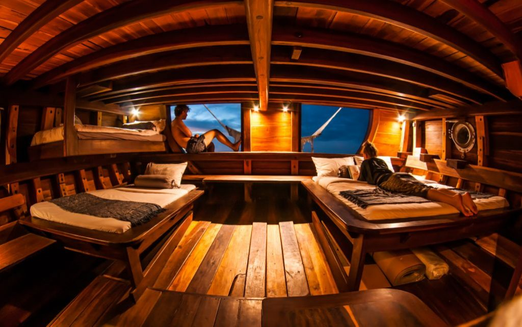 Nataraja Phinisi Master Cabin