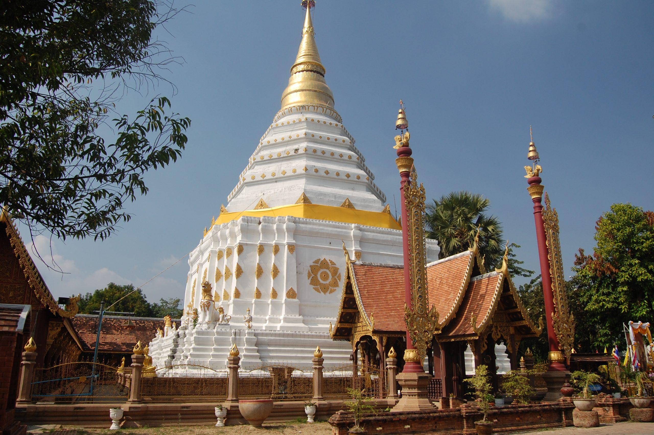 Wat Chiang Yuen Chiang Mai walking tour